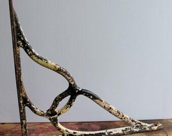 vintage decorative cast iron corner bracket