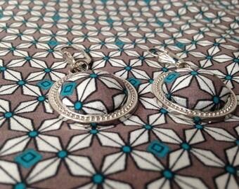 pair of earrings escutcheon small pan