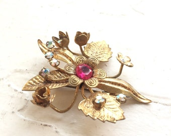 Vintage Floral Brooch Pins.