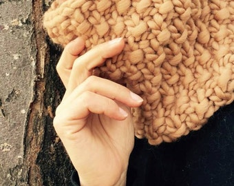 Hand woven NATURAL 100% Merino Wool neck