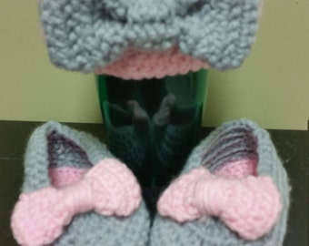 Bowdelicious Hat and Bootie Set