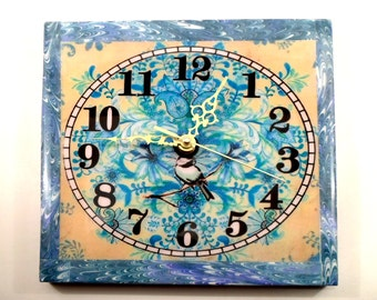 Wall clock turquoise