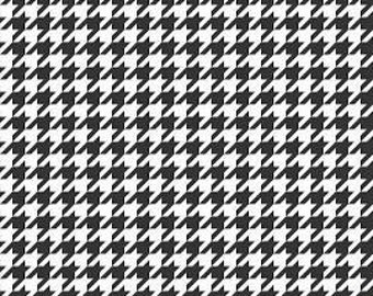 Riley Blake Designs Basic Houndstooth Black and White Medium C 970-110