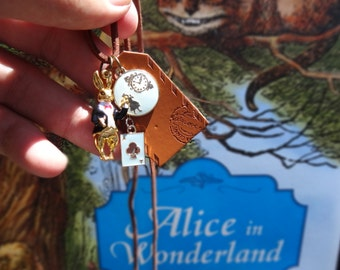 Alice in Wonderland pendant necklace - featuring White Rabbit
