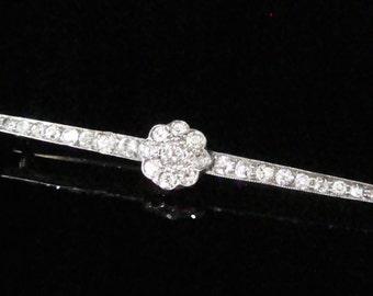 Victorian/ Edwardian 18ct platinum diamond brooch 2.40ct