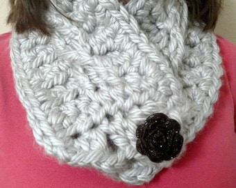 Thick Buttoned Crochet Cowl with Flower button