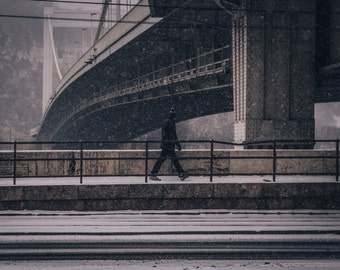 Walking man in the snow, Budapest