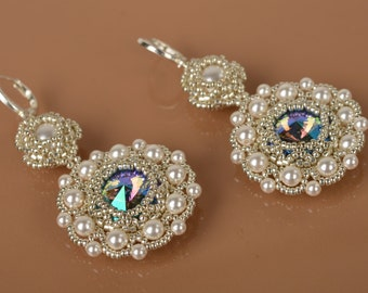 Earrings with Swarovski crystals and pearls.