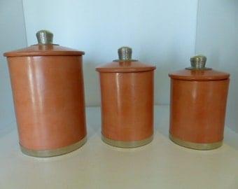 Decoration 3 cylindrical round boxes in tadelakt ocher