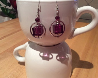 Round and square earrings