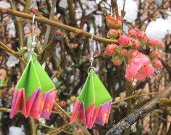 Bijou en origami. Boucles d'oreilles en origami Nest rose et vert. Fait-main. Commandes personnalisées.