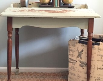 Home Schooled on the Farm~Vintage Desk