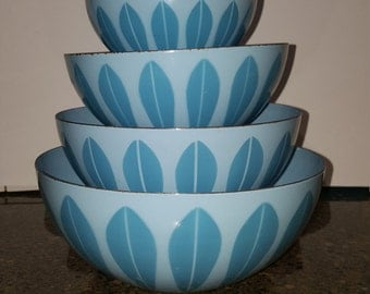 Cathrineholm Enamel Blue on Blue Lotus Mixing Bowl Set