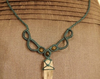 Necklace in blue macrame, Quartz, and Hawk-Eye