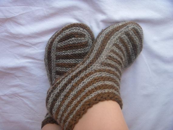 Adult Slippers pattern Knitting patterns Knit slipper pattern Knitted slipper...