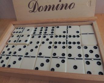 Vintage Creamy Domino Set