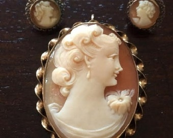 Oval Shell Cameo Brooch plus Earrings