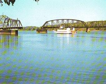 Vintage Swinging Bridge on the Mississippi River Stamped Post Card. 1984