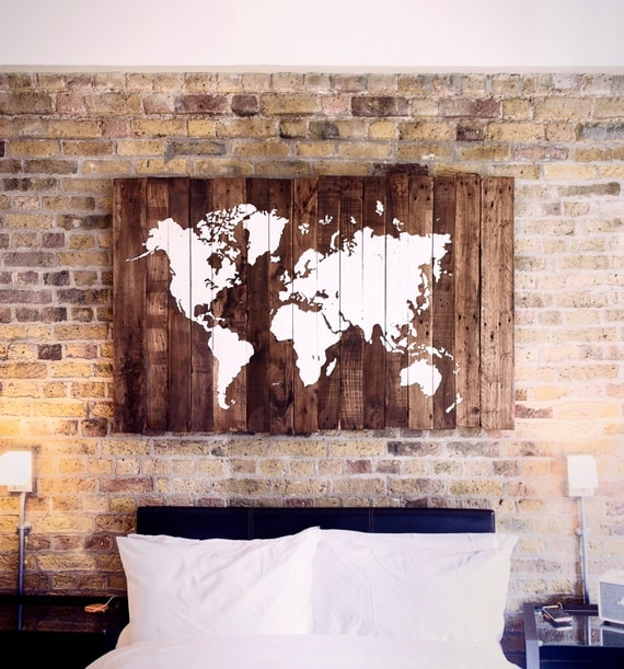 carte du monde sur bois palette. Black Bedroom Furniture Sets. Home Design Ideas
