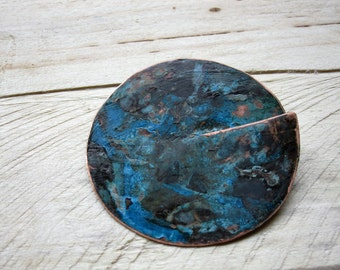 Blue broken circle brooch
