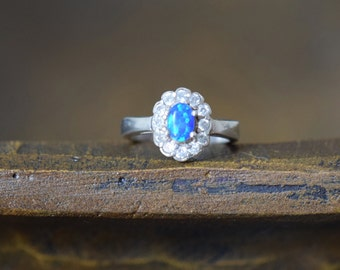 Blue Oval Opal With Gemstone Halo Vintage Silver 925 Ring, US Size 8.0, Used
