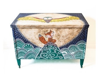 Bedding box, Fox and owl, hand painted, box for children, toy chest
