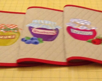 Handmade Quilted Placemats, Set of 4 Oval with Jellies  (Apple/Blueberry/Raspberry/Strawberry). Great for Kitchen, Breakfast Nook, etc.