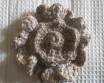 Light brown crochet broach