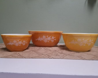 Vintage Pyrex Butterfly Gold Mixing Bowls