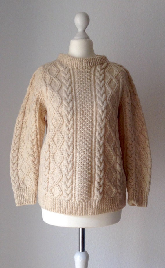 80s Vintage women's pure wool knitted sweater / pullover, fisherman's sweater, S or M, yellow / cream color, nice cabled pattern