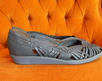1980s Vintage Periwinkle Woven Flats - Dusty Blue Small Wedge Shoes - Size 6
