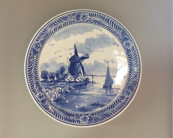 Vintage Delft Blue wind mill decorative wall Plate