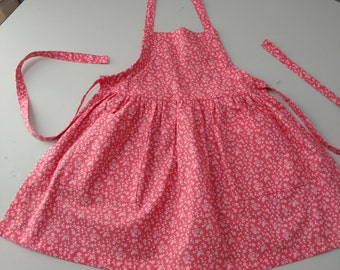 Apron; Child's Adjustable Apron With Pockets; Kids Apron; Kids Clothing; Girls Apron; Kids