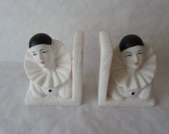 Bookends Pierrot