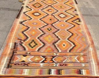 10 x 5 ft Handwoven vintage turkish kilim rug