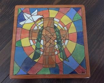 Cross plaque with dove