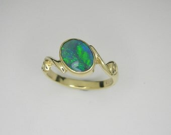 Opal ring, Lightning Ridge Opal, Opal gold ring