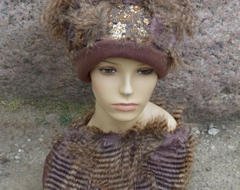 Hat with collar