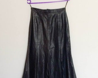 1990s Louis London Black Leather Midi Skirt
