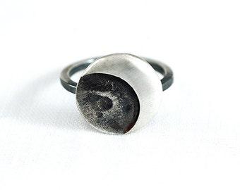 Black ring silver Moon