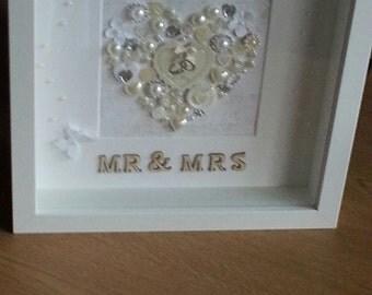 Customizable Mr and Mrs wedding gift