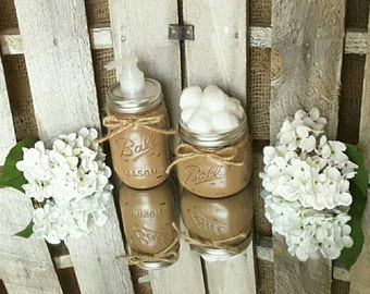 Mason Jar Bathroom Set. Rustic Bathroom Decor. Mason Jar Soap Dispenser. Farmhouse Decor. Wedding Gifts. Distressed Primitive Decor.