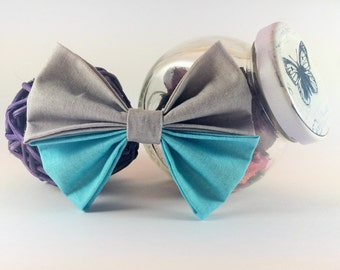 Bow tie brooch pin turquoise qnd grey