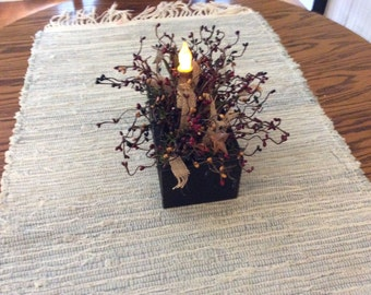 Americana floral arrangement in wood box