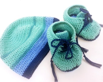 Newborn baby hat and booties - Blue and green