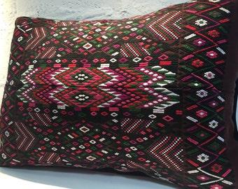 Pad with hand made loom