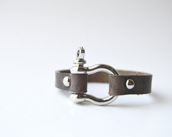 Shackle Leather Bracelet: Rustic Brown Leather Cuff With Silver Screw Post Horse Shoe Shackle