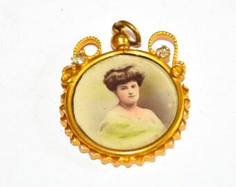 Victorian Ornate Photo pendant Early 1900s PRT 017