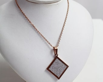 Necklace diamond steel pink