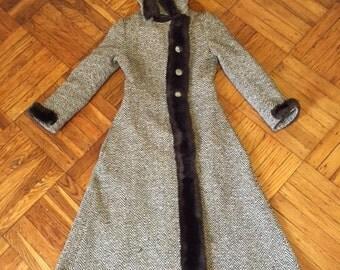 Vintage Brown Tweed Coat 1960s/1970s